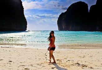 backpacking in southweast asia maya bay photos